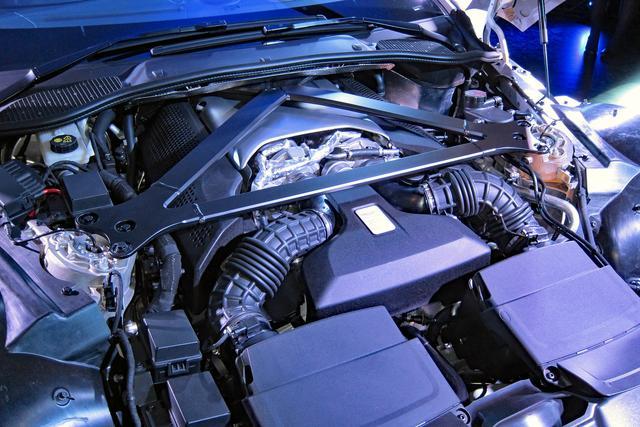画像: AMG GTなどでおなじみの4L V8ツインターボに8速ATをトランスアクスル方式で搭載して組みあわせる。