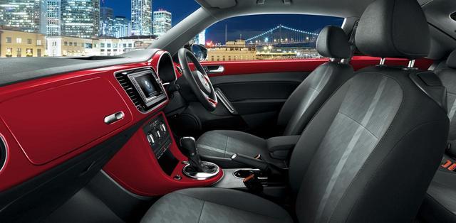 画像: VW純正インフォテイメントシステム「716SDCW」は標準装備。