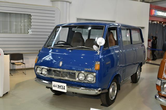 画像: 写真のモデルはヒンジドアだが、発売翌年には日本で初めてのスライドドアも採用した。