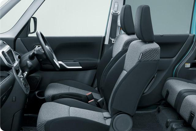 画像: ソリオ Sセレクションのシートは専用の表皮になっている。