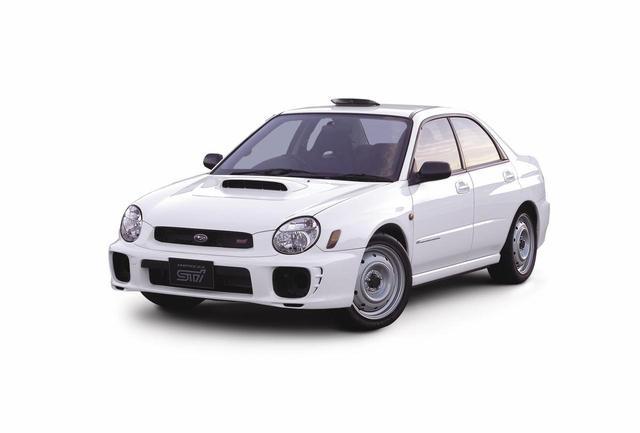 画像: 16インチタイヤ仕様車。スチールホイールを採用する。車両価格は271万3000円(当時)。