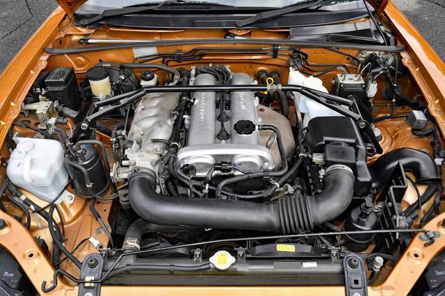 画像: エンジンは写真の1.8Lと、初代のマイナーチェンジで消滅した1.6Lも復活した。