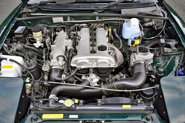 画像: 当初のエンジンは1.6L DOHC。93年のマイナーチェンジで1.8Lを搭載。