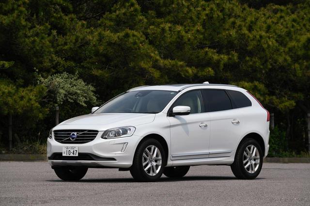 画像: 従来モデルのXC60。新型は全高を低くスポーティに、シャープな印象のデザインに変更されている。