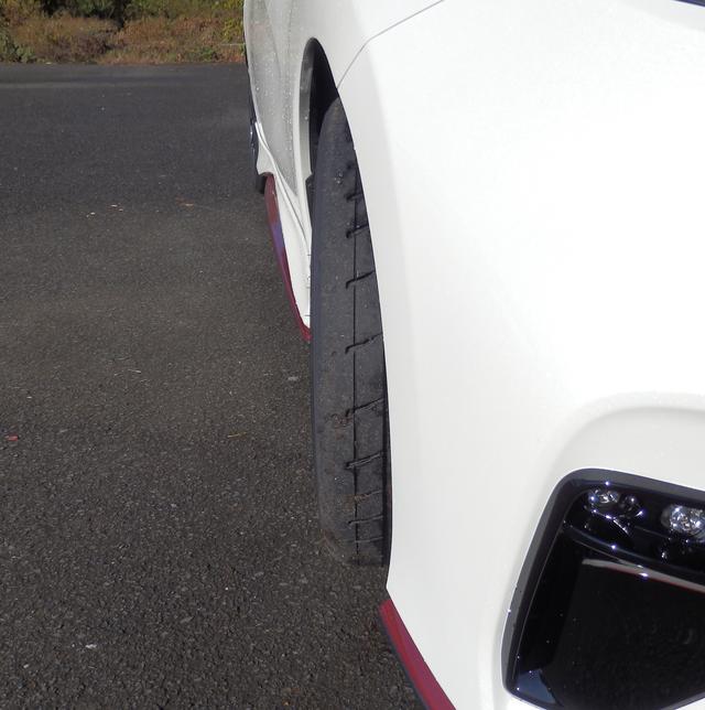 画像: これでステアリングを180度切った状態。タイヤの「おいしいところ」はこの辺りの舵角まで。
