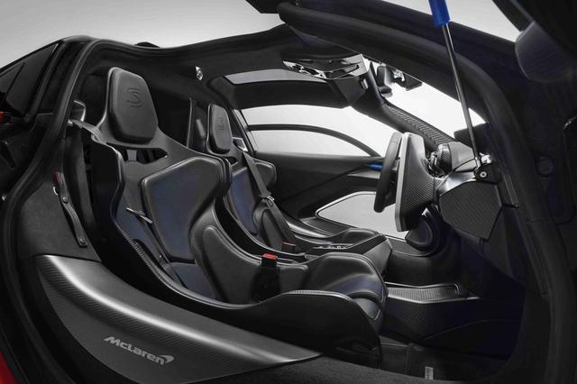 画像: マクラーレン セナはフルカーボンモノコックボディを採用する。