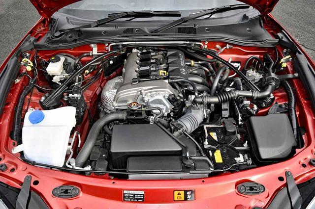 画像: エンジン排気量は歴代ロードスターで最小の1.5Lだが、高回転までキッチリ回り小気味良い。