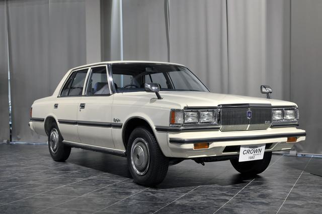 画像: トヨタ博物館所蔵のMS112型セダン(1980年)、全長×全幅×全高:4860×1715×1435mm、ホイールベース:2690mm、車両重量:1500kg、エンジン型式:直6SOHC、排気量:2759cc、最高出力:145ps/5000rpm。