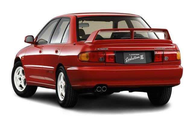 画像: WRC参戦車両と同デザインのOZアルミホイールが印象的だ。