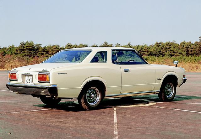 画像: 重厚感があり、いかにも高級車という風情。