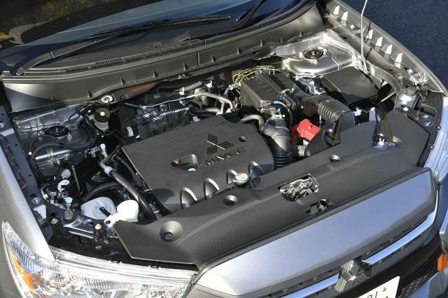 画像: 1.8L自然吸気エンジンを搭載。燃費はJC08モードで14.4km/L(4WD車)。