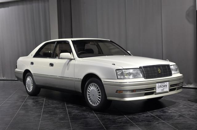 画像: トヨタ博物館に所蔵されているJZS155型ハードトップ(1995年)、全長×全幅×全高:4820×1760×1425mm、ホイールベース:2780mm、車両重量:1490kg、エンジン型式:直6DOHC、排気量:2997cc、最高出力:220ps/5600rpm。