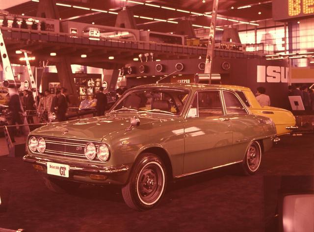 画像: 基本シルエットは他グレードと変わらない。小改良、小変更が重ねられ、この世代のベレット・シリーズは1973年まで生産された。