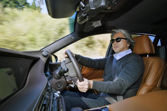 画像: LS500h エグゼクティブ AWDはスポーティな走りが楽しめると九島氏。
