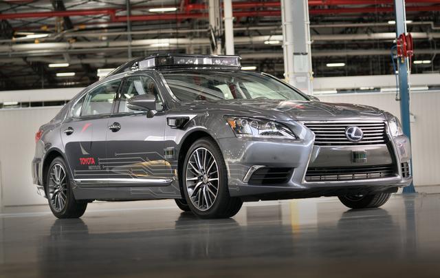 画像: CES 2018 で公開されたトヨタの次世代自動運転実験車「Platform 3.0」。