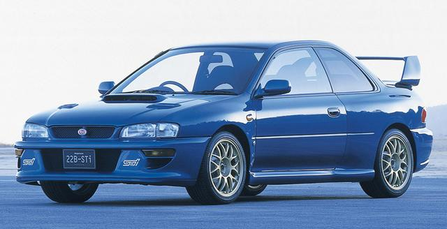 画像: 1988年に限定400台で発売されたコンプリートカー「インプレッサ 22B STIバージョン。WRCのマニュファクチャラーズ選手権3連覇を記念して、WRカーと同じワイドボディをまとって登場した。初のSTIオンプリートカーでもある。