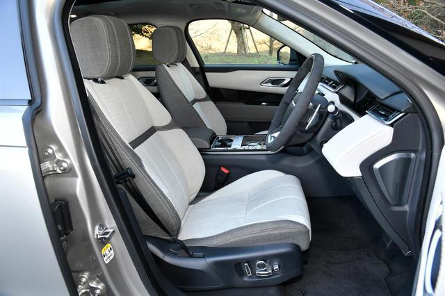 画像: 試乗車にはプレミアムテキスタイル/スエードレザーのシートが採用されていた。