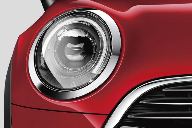 画像: MINI サザークにはLEDヘッドライトが装備される。