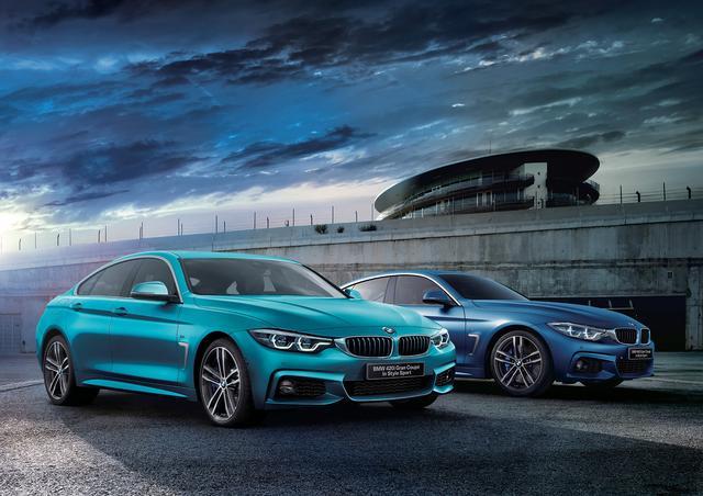 画像: BMW 420iグランクーペ In Style Sport(左)と/440i グランクーペ In Style Sport(右)。