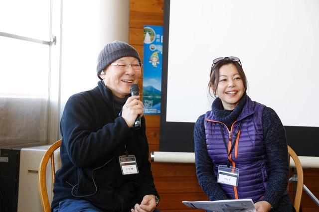 画像: トークショーがFMラジオで放送され、走行中に聞くことができる。ホリデーオートでおなじみ竹岡圭さんがパーソナリティで、軽快なトークを展開。