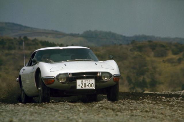 画像: イメージリーダーカーを求めていたトヨタ社中で2000GTの企画が持ち上がった。ヤマハは企画後まもなく開発に関わり、歴史的名車の誕生に大きく貢献した。