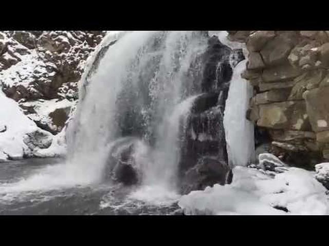 画像: 浅間大滝 冬