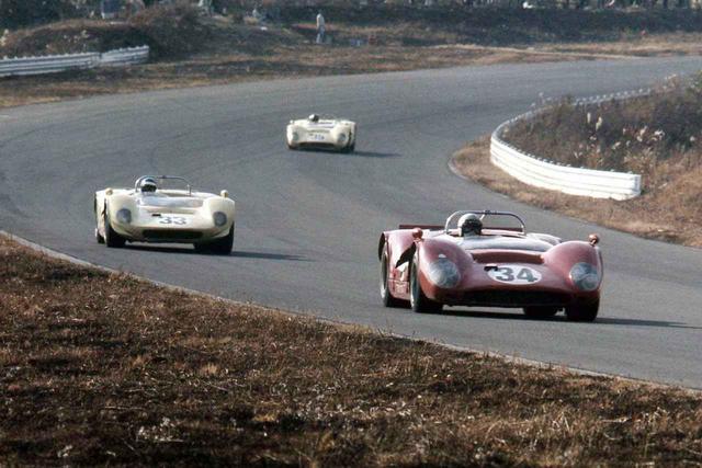 """画像: 1968年、富士スピードウェイで開催された""""第1回日本CAN-AM""""での初代トヨタ7。3L V8は公称330psだ。カーナンバー34は6位に入った細谷四方洋。最上位は福澤幸雄の4位だった。"""