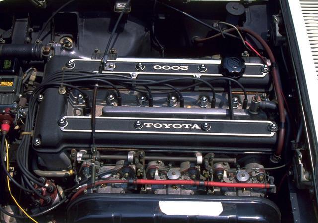 画像: 150ps/18.0kgmを発生する3M型直6ユニット。ベースはクラウン用のM型だが、ヤマハのチューニングによりDOHC化され、レースでも活躍した。