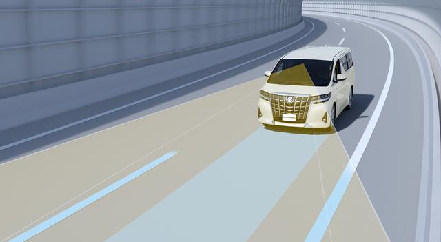 画像: 高速道路でのクルージングをサポートする「レーントレーシングアシスト」を採用。条件が揃うと、車線を中央を走行するステアリング操作の一部を支援する。