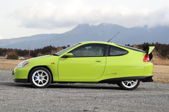 画像: ユニークなボディカラーが特徴だが、車名の由来を由良さんに聞くと「この色見て、アマガエルみたいで可愛いでしょ♪」とのこと。