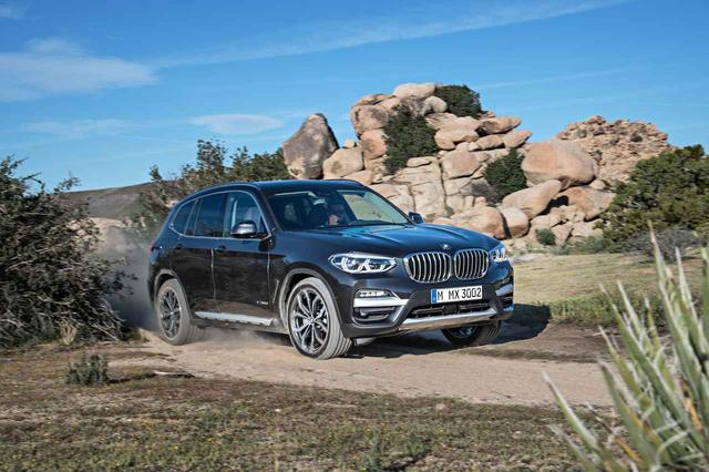 画像: BMWの新型X3。横浜ゴムの「アドバン・スポーツV105」が新車装着される。