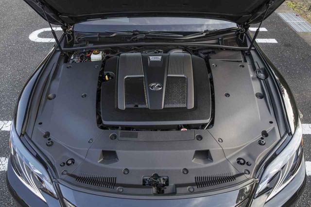 画像: 3.5Lの V6エンジンは、V8ターボに匹敵する422ps、61.2kgmを発生。