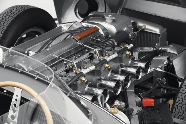 画像: 搭載エンジンは3.4L直6DOHC。最高出力は最終モデルで270hp。
