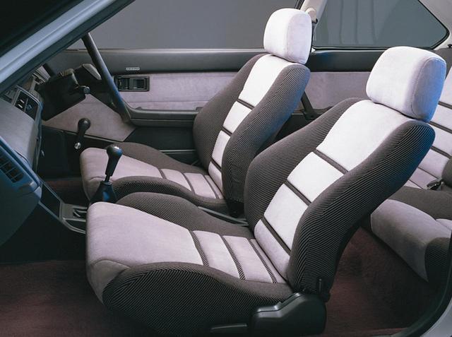 画像: GSiのシート。セミバケットタイプのスポーツシート。