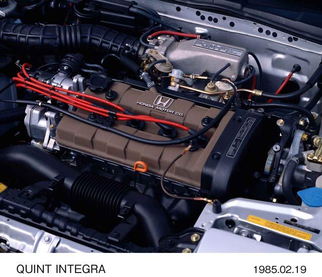 画像: エンジンはPGM−FI仕様およびキャブレター仕様を用意。キャブ仕様は115ps/13.8kgmの出力だった。