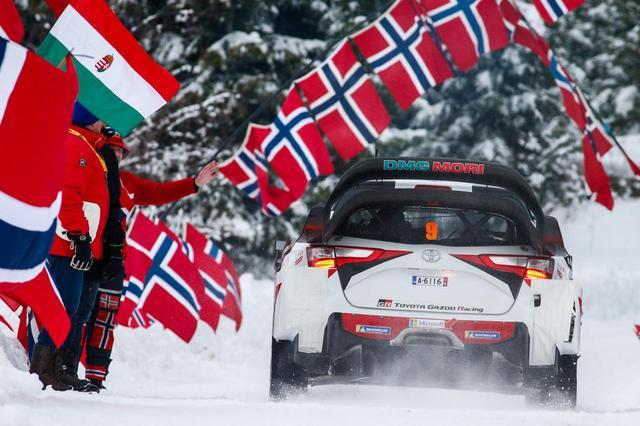 画像: コース脇ではスウェーデンだけでなく、ノルウェーの国旗も見られる。