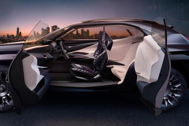 画像: これはUXコンセプト。さすがに市販車には観音開きのドアは採用されないだろう。
