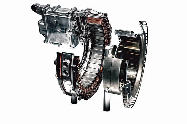 画像: ISGはエンジンとトランスミッションの間にレイアウトされるディスク型のモーター/ジェネレーターだ。
