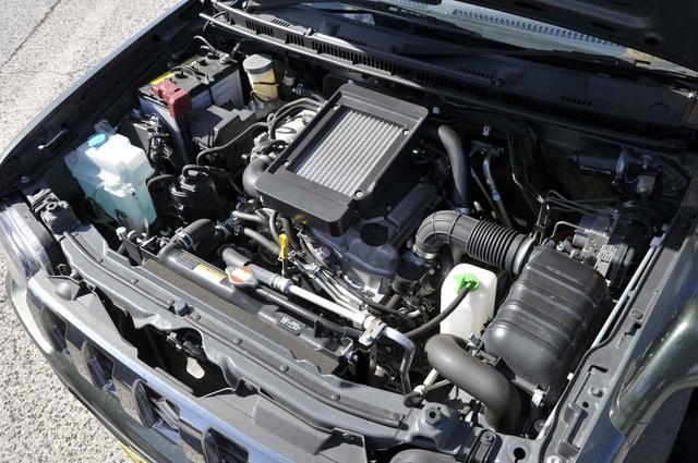 画像: エンジンはK6A型直4DOHCインタークーラーターボ。4速ATとの組み合わせで、JC08モード燃費は13.6km/L。