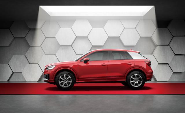 画像: アウディQ2のデビュー1周年を記念した限定車「Audi Q2 #anniversary limited」。