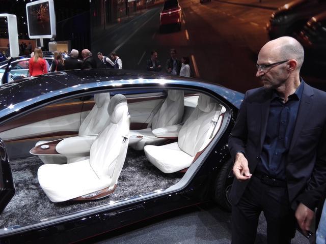 画像4: フォルクスワーゲンの近未来最上級サルーン『I.D. VIZZION』は2022年頃発売!【ジュネーブショー2018】