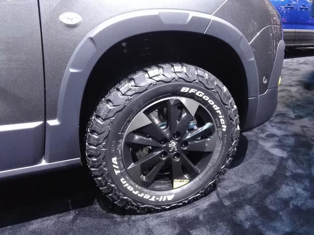 画像3: 最新のプジョー顔が似合う!新型MPV『リフター』の4WD仕様が気になる件【ジュネーブオートサロン2018】