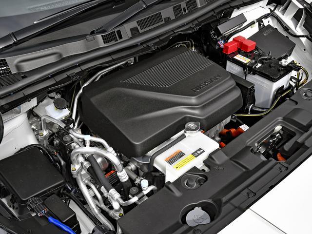 画像: モーターのカバー裏側にはインシュレーターが装着されている。
