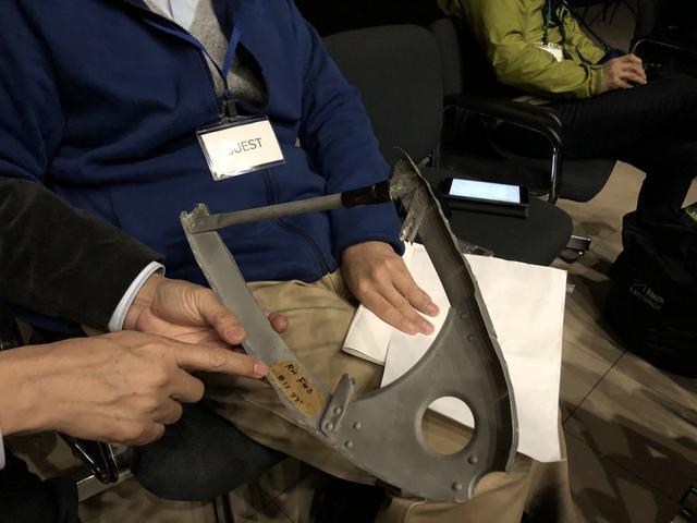 画像: 小早川さんが持参して下さったゼロ戦の翼の一部。3代目RX-7(FD)の軽量化の参考にされたそうです。