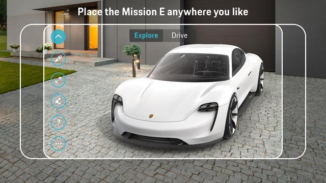 画像: AR対応のスマートフォンでポルシェミッションEをじっくり見ることができる。