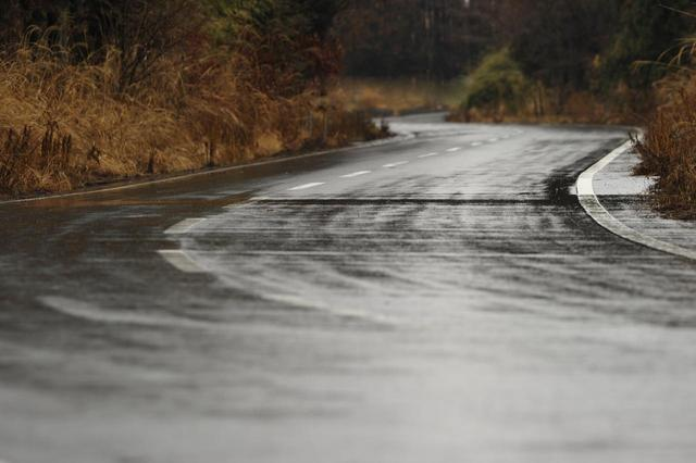 画像: タイヤ・ラベリング制度が導入されてから、スタンダードなエコタイヤでも、ウエット性能も重視する商品が多くなってきた。