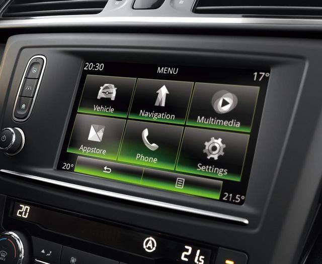 画像: ルノーRリンク2は7インチタッチスクリーンでコントロール。日本ではナビ機能は使えないが、Android AutoやApple Car Playに対応するので、スマホのナビをミラーリングして使うことは可能だ。