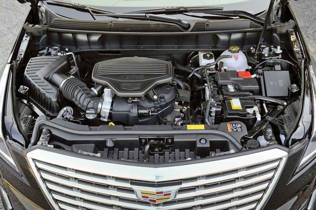 画像: 日本仕様のエンジンは3.6LのV6DOHCのみ。吹け上がりがスムーズでパワフル。サウンドもいい。