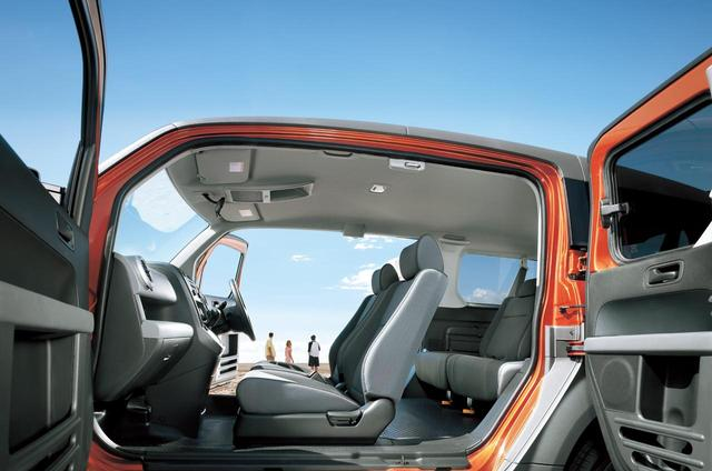 画像: 観音開きのドアで後席にもアクセスがしやすい。