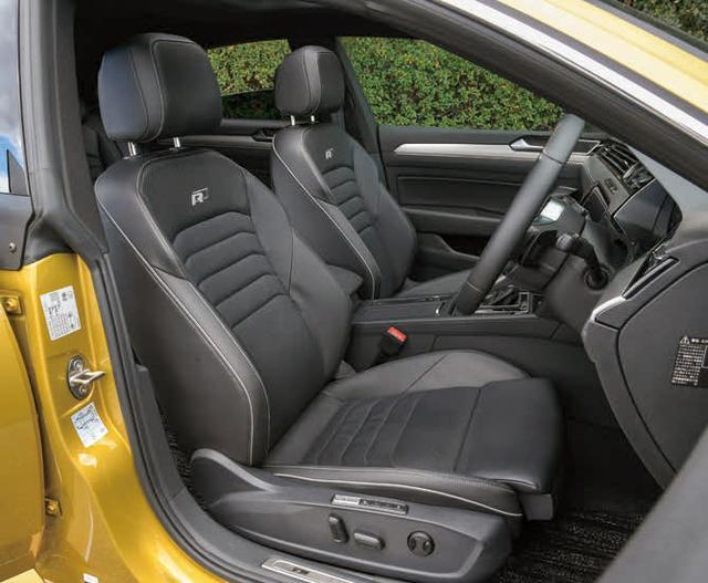 画像: シートには上質なナパレザーを採用している。